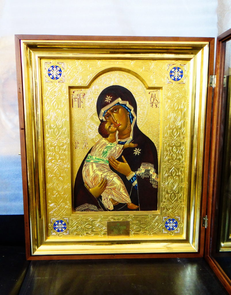 Реставрация киотов и икон